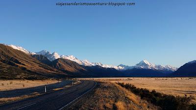 Carretera de acceso a Aoraki/Mt Cook Village