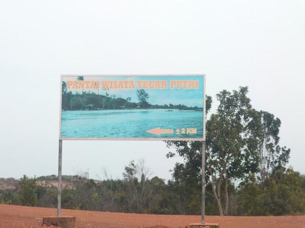 Tegar Putri - pasir putih yang buat hati berdesir (bonus Pantai Cantik Vio Vio)