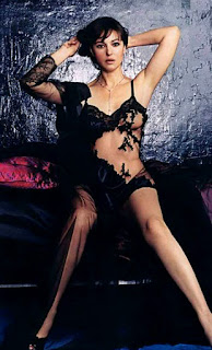Nymph Star Monica Bellucci Sleekly Legs