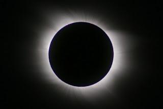 Gerhana Matahari Total (GMT) dalam Persfektif Penelitian