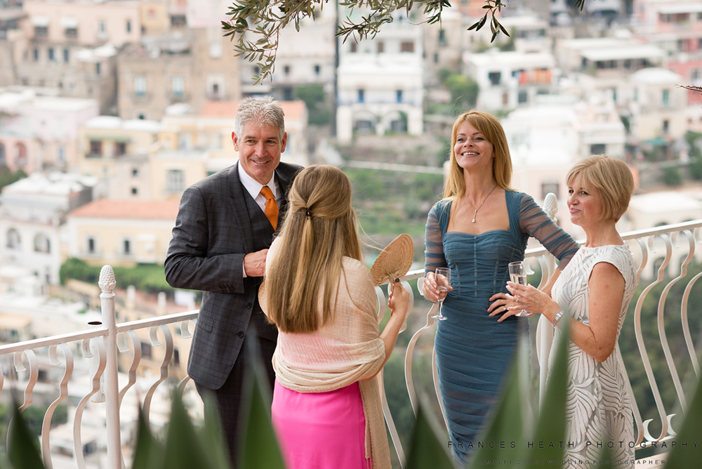 Reportage photo of guests in Positano