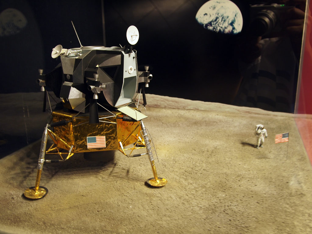 rocket landing on moon - photo #32