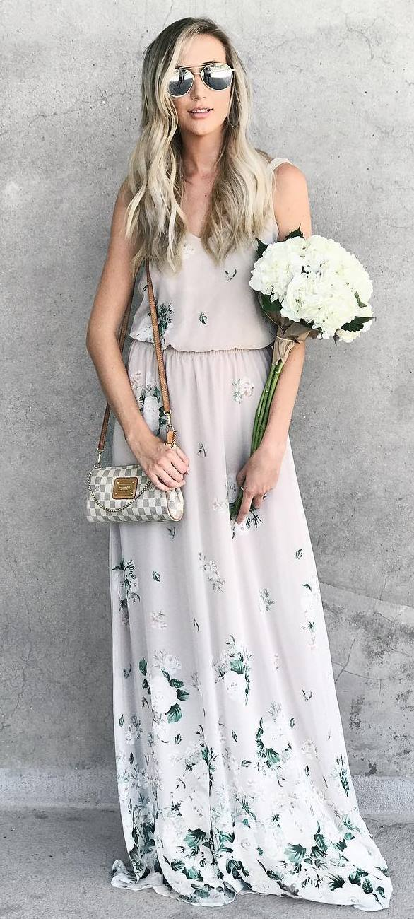 summer outfit: printed maxi dress + bag