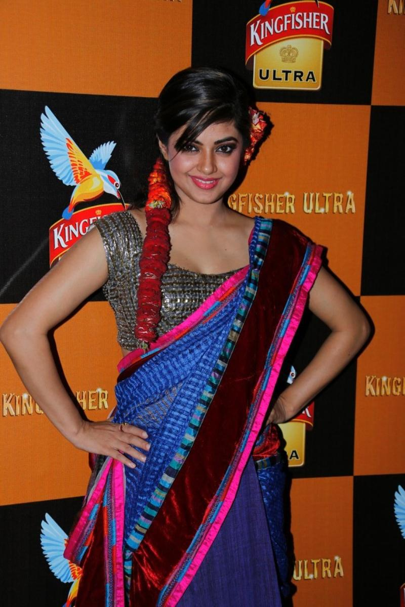 Meera chopra cute saree pictures