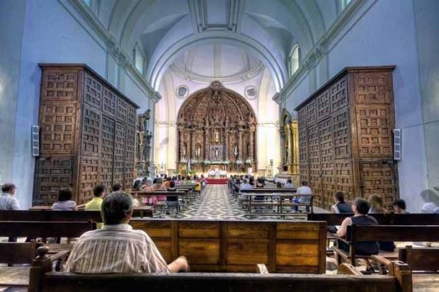 22+ Gambar Orang Lagi Berdoa Di Gereja, Inspirasi Spesial!