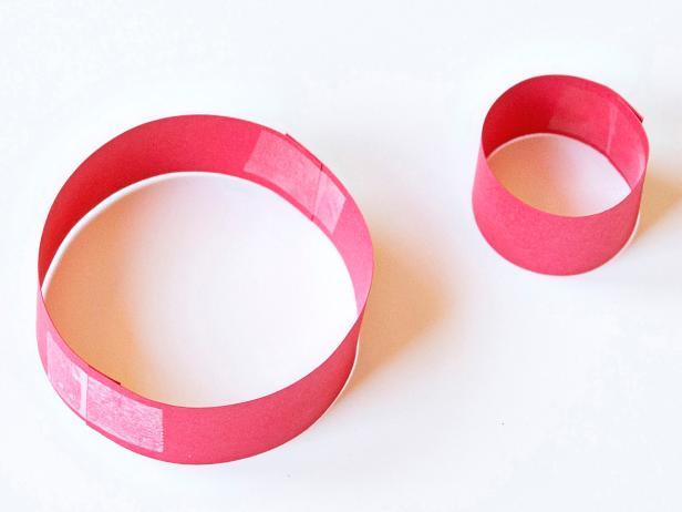 dua lingkaran yang berbeda ukuran