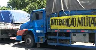 """""""Temer decreta guerra civil"""", diz representante de caminhoneiros"""