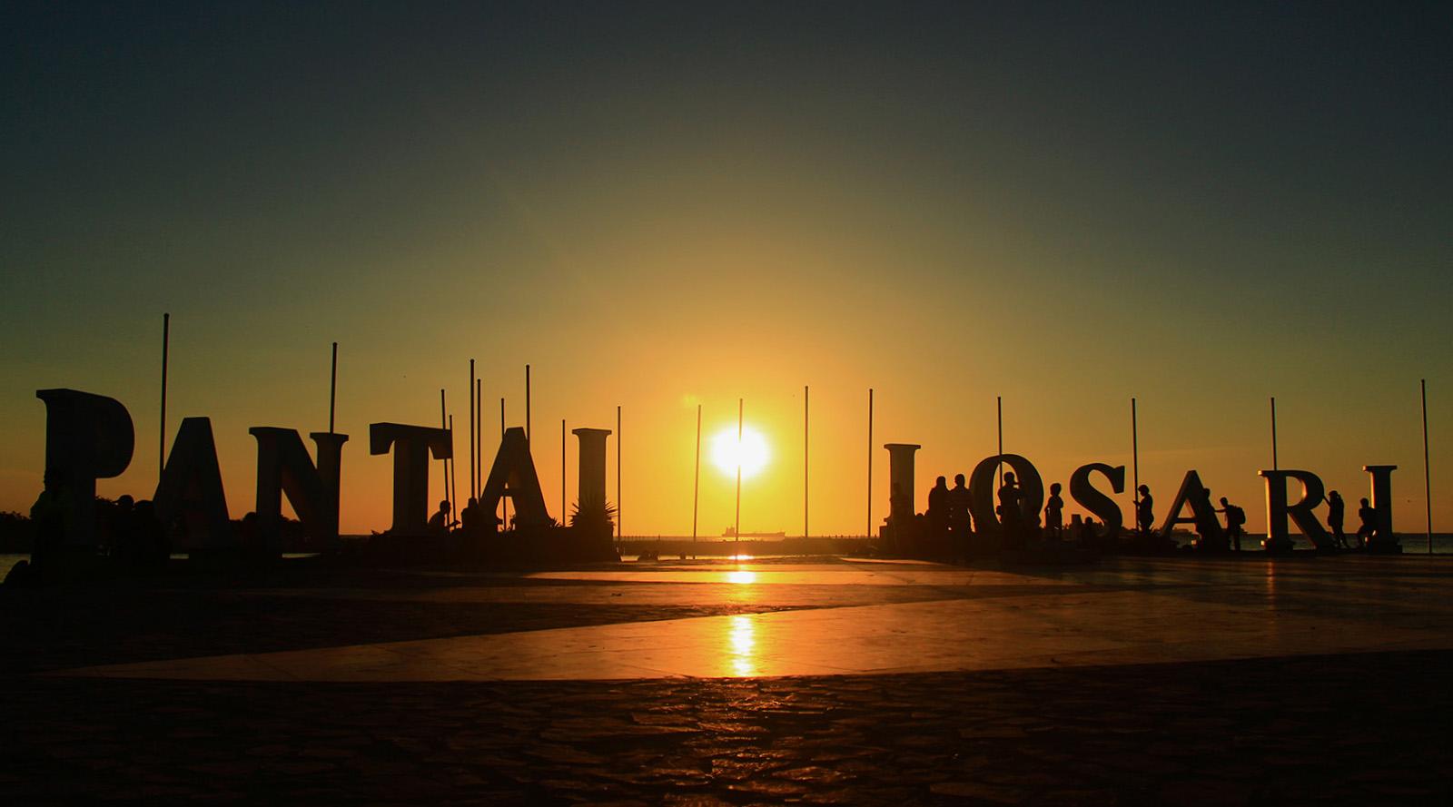 Pantai Pantai Indah Yang Terkenal Sebagai Tempat Wisata Di Sekitar