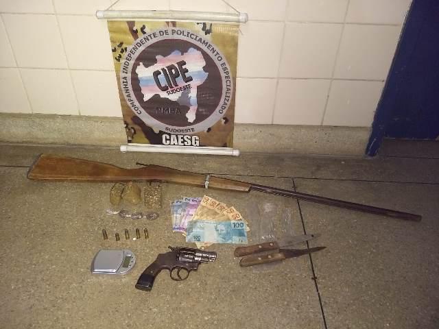 Barra da Estiva: Cipe Sudoeste prende homem por tráfico de drogas e porte ilegal de arma