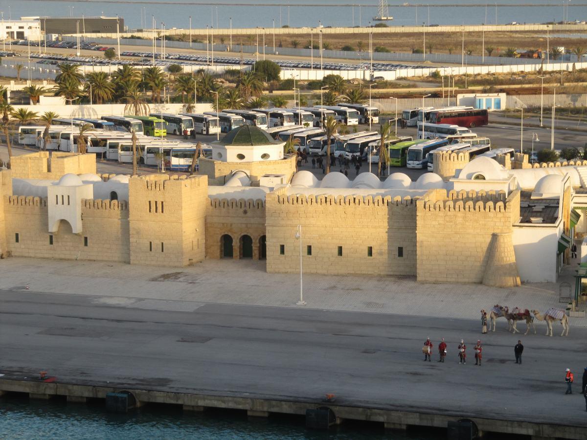 aduana puerto Tunez