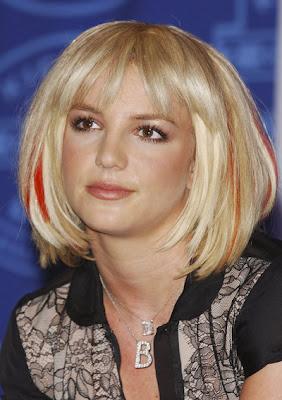 Bob Frisuren Britney Spears Mit Bob Und Strahnchen Bob Frisuren