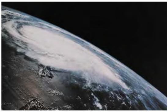Atmosfer Bumi dari Luar Angkasa