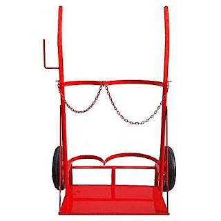 Necesitamos una de estas para sujetar y transportar con seguridad los cilindros.