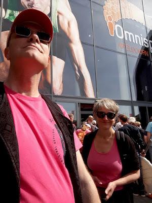 live caricaturist Hugoen Marion n Giro d'Italia kleur Roze Omni Sport Apeldoorn