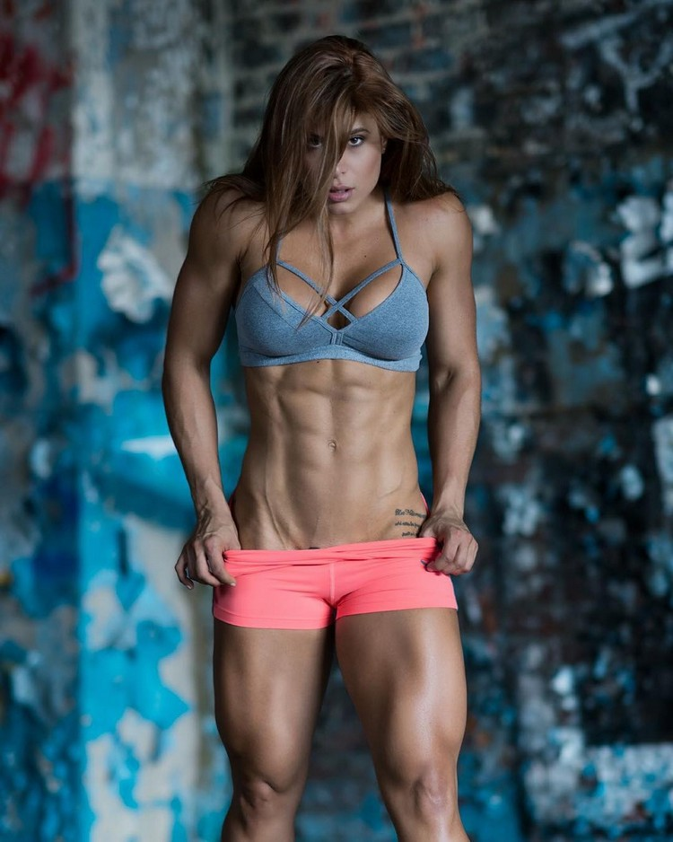 Wonderful strong women Daniela Guerrero - Strong Girl Abs