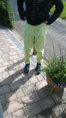 https://brackencrafts.blogspot.com/2017/06/lime-green-slobbing-slouch-trousers.html
