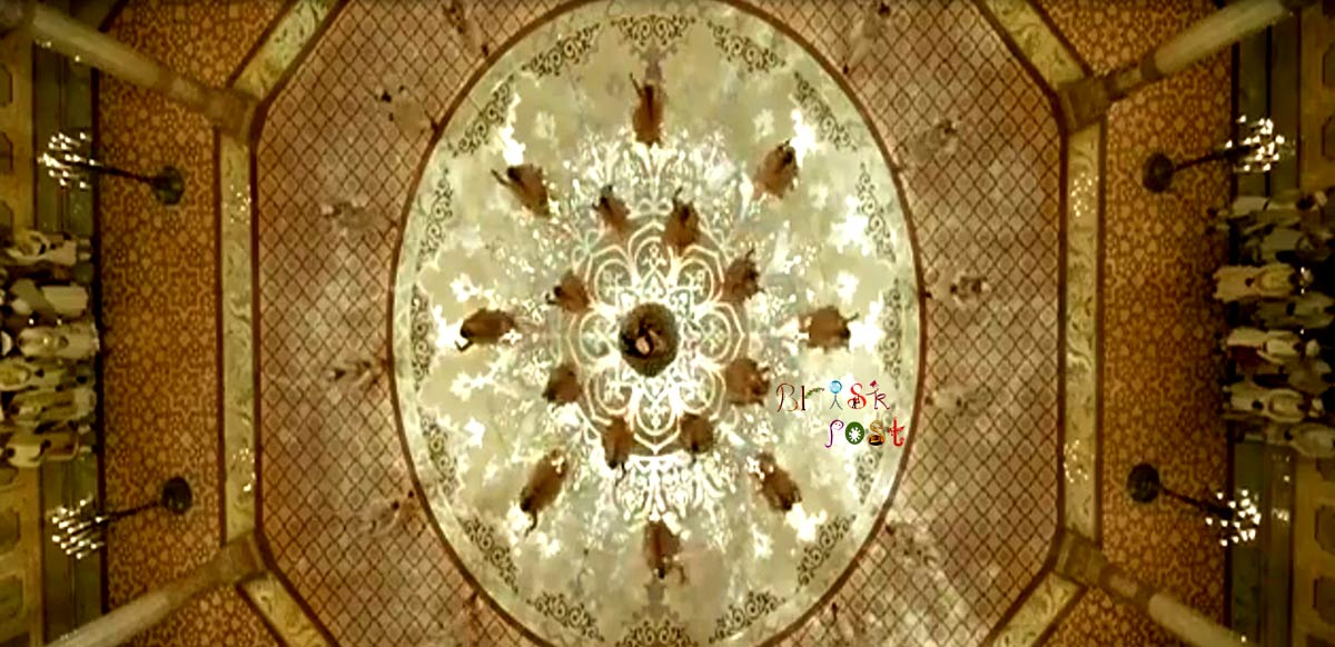 Roof view of circle space in center of Aaina Mahal set of Sanjay Leela Bhansali for Deewani Mastani song of Bajirao Mastani