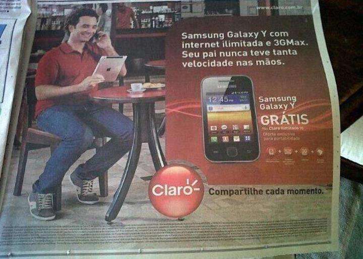 celular, samsung na claro, homem, sentado, ipad