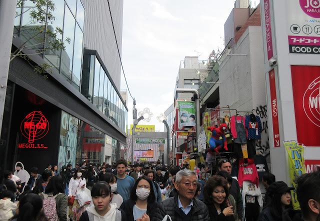 Takeshita Dori, Harajuku, Tokio, Tokyo, Japon, Japan, cosplay, Visit Japan, Elisa N, Blog de Viajes, Lifestyle, Travel, Daiso, Omotesando