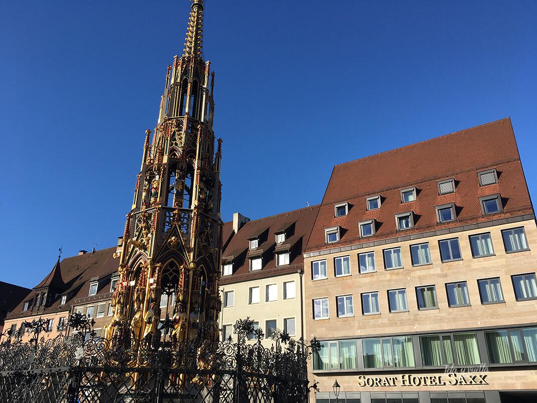 Edificio del Sorat Saxx con la Fuente Bonita