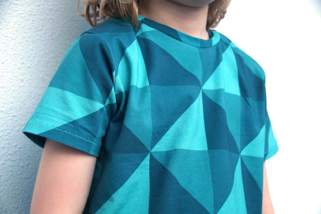 Rowan Tee (pattern Titchy Threads)