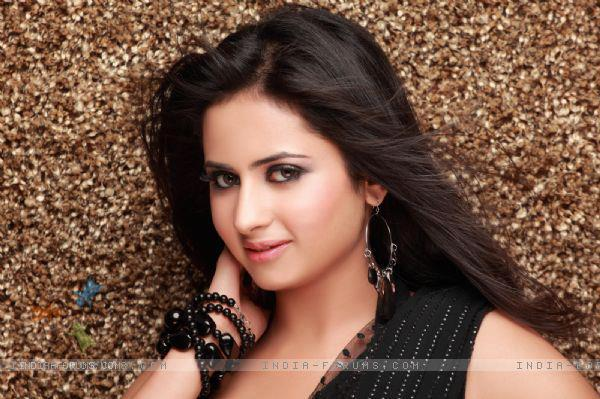 Sargun Mehta Wiki Biography, tv serials and all movies
