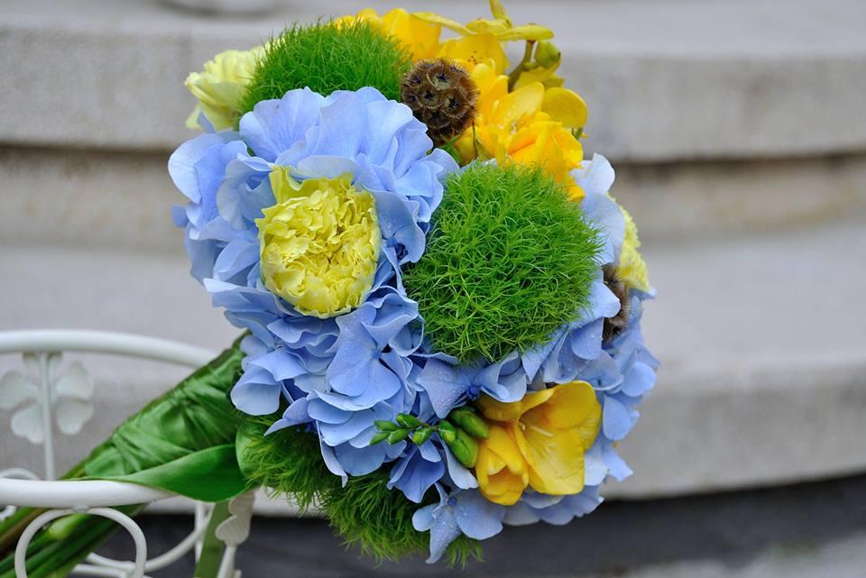 Flowers Garden Events Buchet Mireasa Hortensii Garoafe Scabiosa