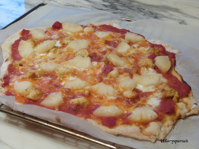 Pizza hawaïenne au poulet et à l'ananas