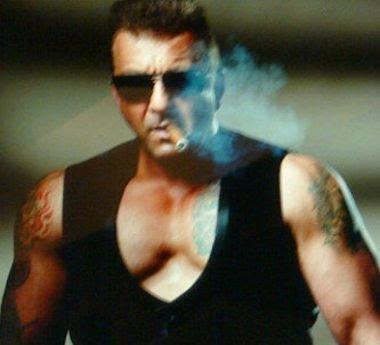 best of the best: Sanjay Dutt flaunts muscles in Ra.One