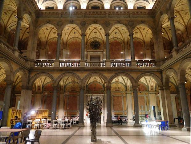 Vreni' Vienna Daily Foyer Of Austrian Museum Applied Arts