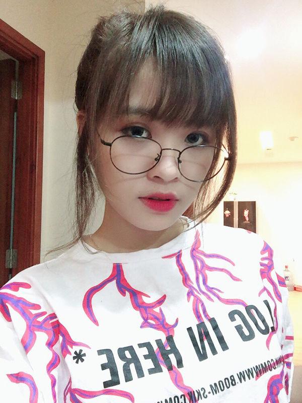 Nữ streamer xinh đẹp Michu tiết lộ bí quyết lên rank cực nhanh trong PUBG Mobile