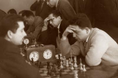 Partida de ajedrez Francino - Alejandro Beltrán disputada en 1958