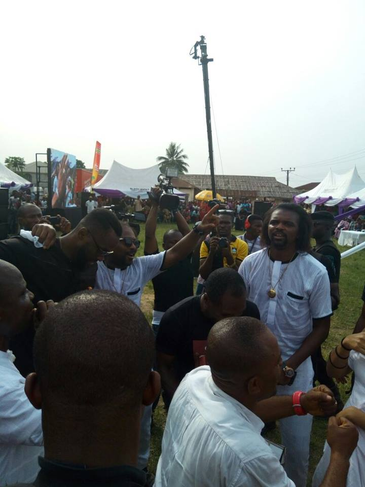Ex Super Eagles Star Kanu Nwankwo Buries His Mother - Photos