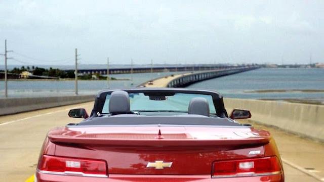 Como ir do aeroporto de Key West até o centro turístico de carro