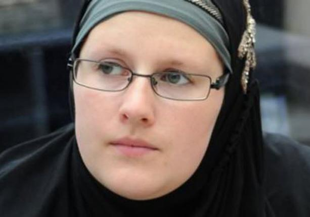 بيتها مركز إسلامي .. قصة بلجيكية أسلم عليها يديها 1000 شخص