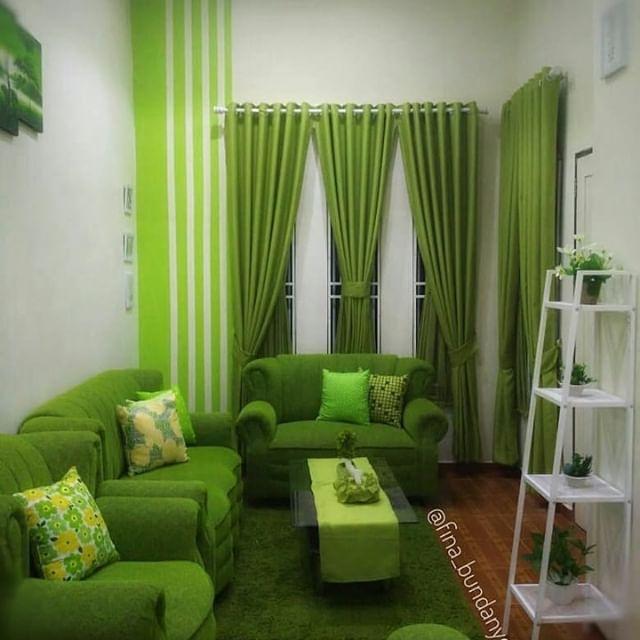 Desain Ruang Tamu Minimalis Ukuran 2x2 sofa ruang tamu warna hijau desainrumahid com