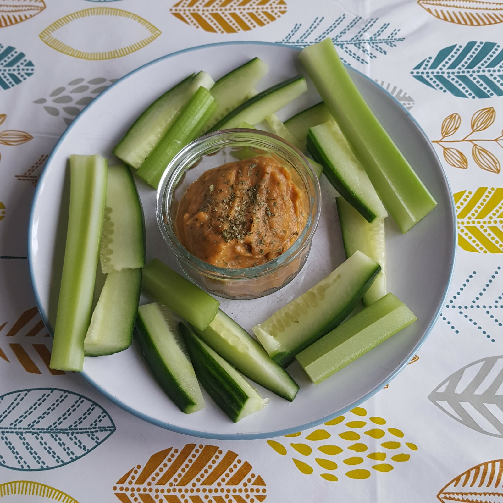 Aubergine and red pepper dip and crudites Candida diet phase one