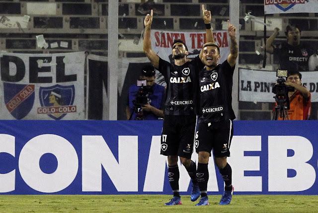 Pimpão fez o gol de empate do Fogão (Foto: CLAUDIO REYES/AFP)