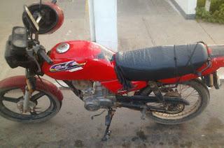 http://vnoticia.com.br/noticia/2006-homem-e-flagrado-com-moto-roubada-no-centro-de-sfi