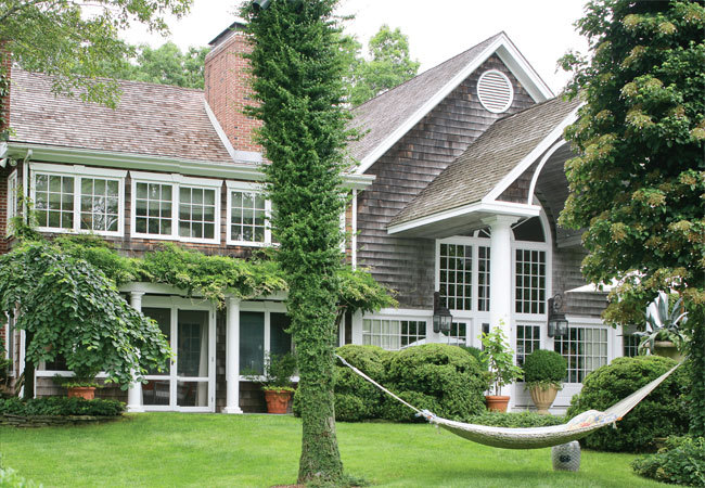 Hydrangea hill cottage the hamptons home and gardens of for Charlotte house