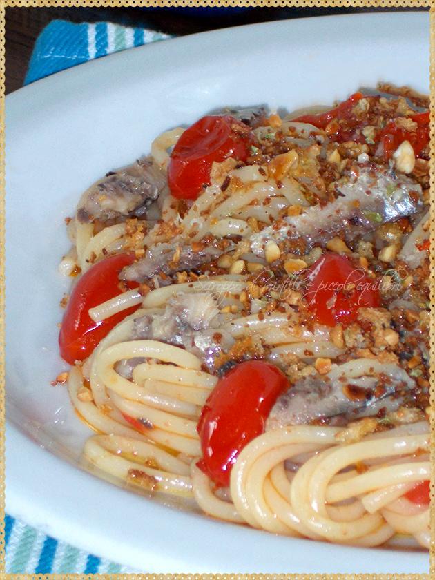 Spaghetti con sardine, pomodorini datterini e Conza