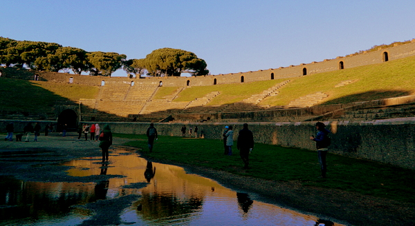 Ruínas de Pompeia: o anfiteatro