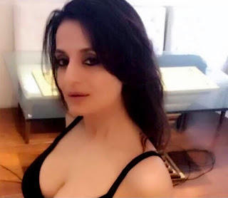 Amisha Patel Some Hot Cleavage Show