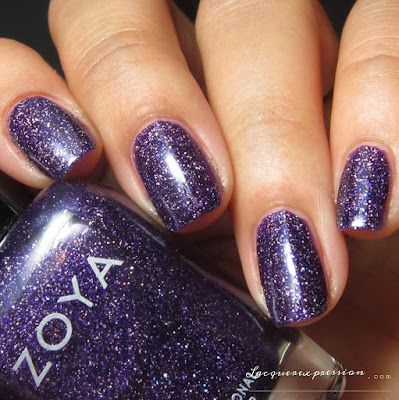 Nail polish swatch of Finley from the Fall 2016 Urban Grudge Metallic Holos collection by Zoya