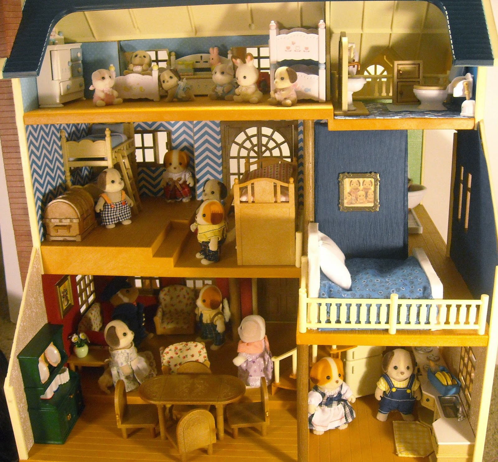 It S A Toy Blog Calico Critters Deluxe Village House