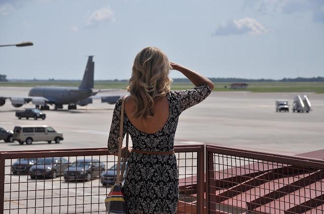 traveling hamil naik pesawat