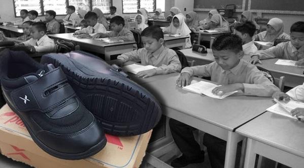 Pelajar Pakai Kasut Hitam Mulai Tahun Depan
