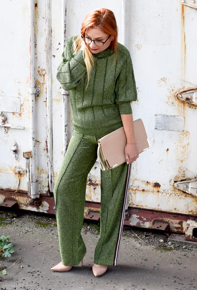 Grüner Glitzer Pullover und Glitzerhose mit H&M, Hose mit Streifen an der Seite