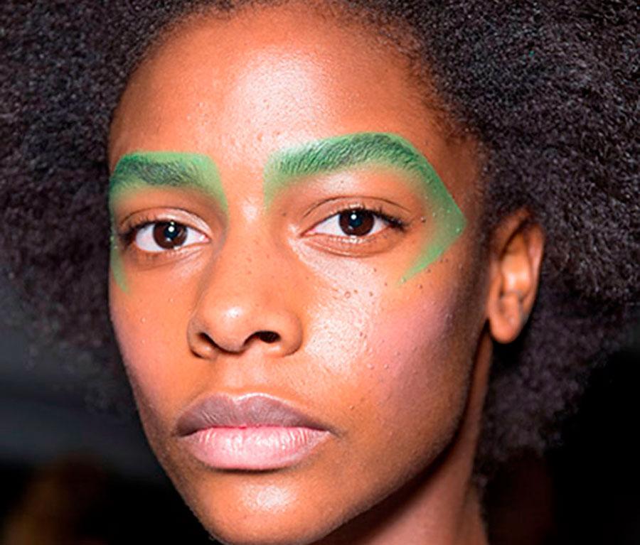Maquiagem na sobrancelha é aposta para 2016