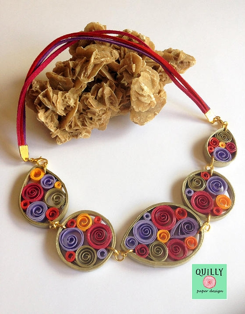06-Quilly-Paper-Design-Quilling-Designs-for-Recycled-Paper-Jewelry-www-designstack-co